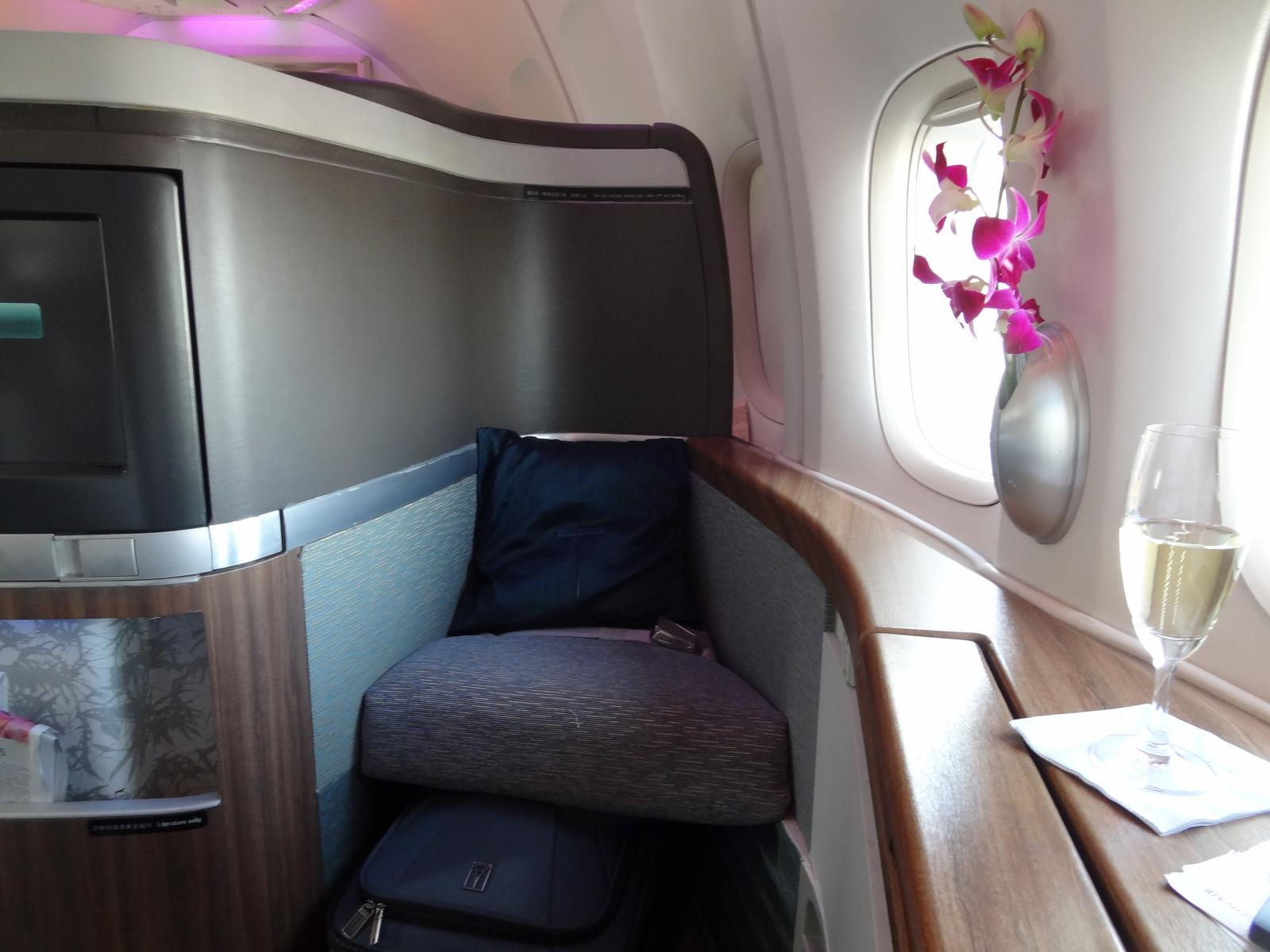 Review The Pier The Wing Cathay First Class Lounge Topmiles